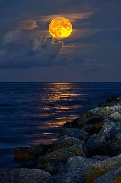 pleine lune de Bouddha
