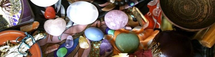 pierres magiques, pierres chamaniques, soins énergétiques Paris, blocages énergétiques, abondance, alignement, reiki, chakra, clair ressenti, bioénergie, Christophe MEXIS