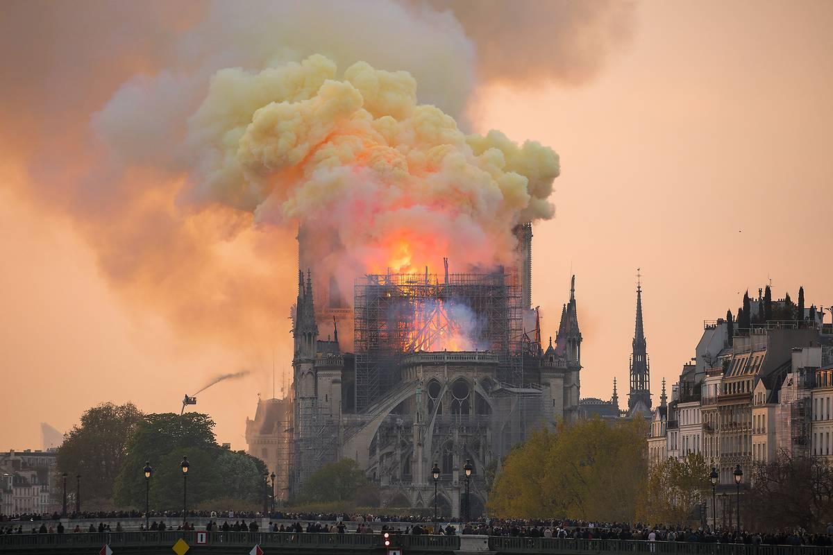 86925-9b6epqis67-whr NOTRE-DAME de PARIS : Décryptage 2/4